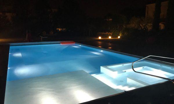illuminazione led per piscina