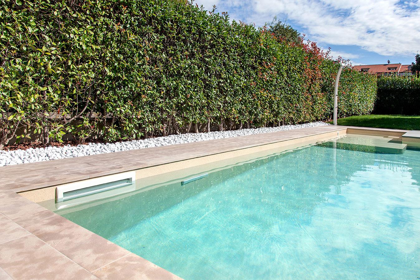 piscina interrata a skimmer
