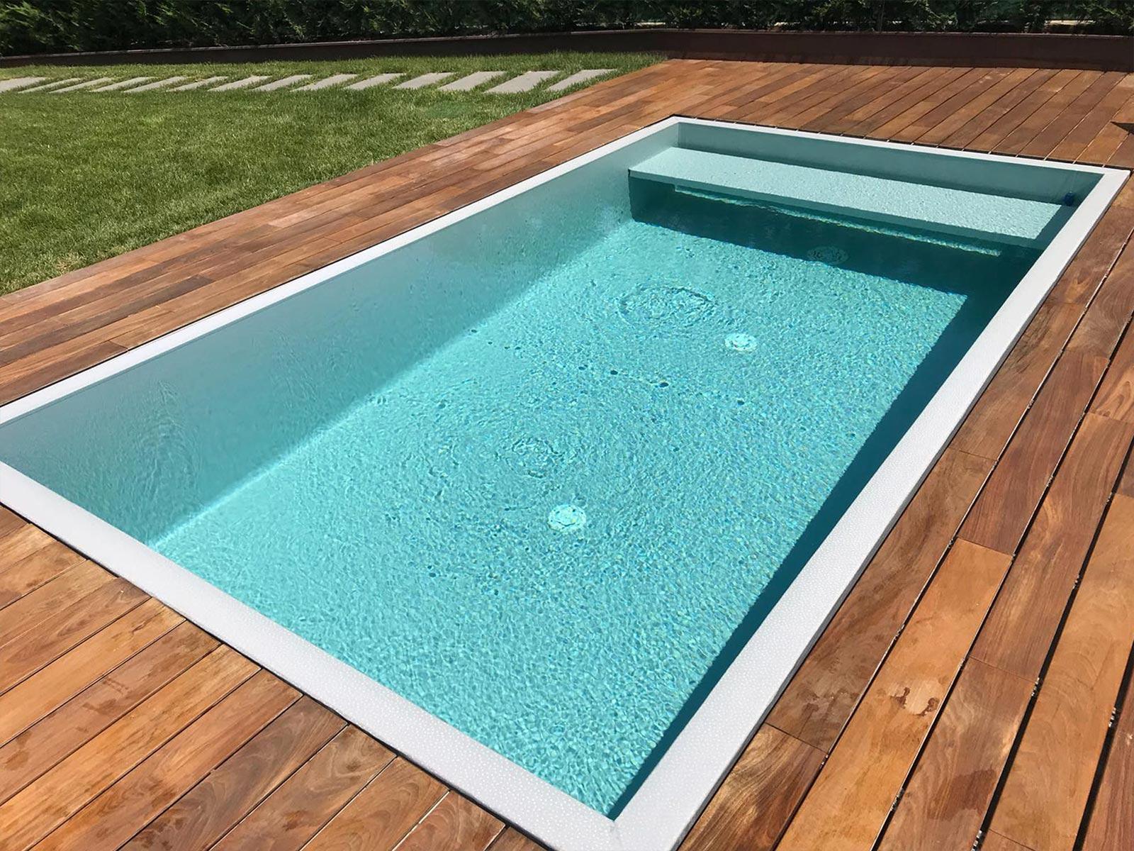 piscina a sfioro 52